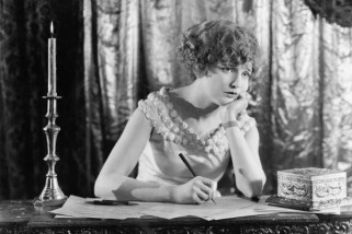 letter-writing-vintage-photo-600x400